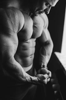 पुश-अप्स लगाने के फायदे। push-ups benefits