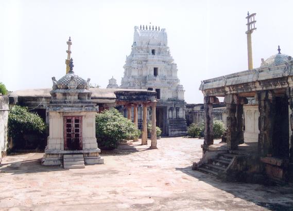 Alagu Mallari Krishna Swamy Temple