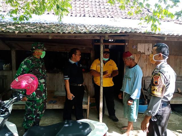 Kodim Sragen - Cegah Corona, Danramil Sumberlawang Buat Imbauan Larangan Massa Berkumpul