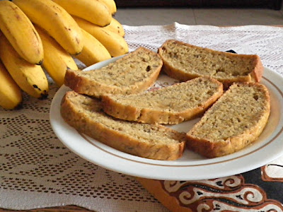Banana Coconut  Loaf Recipe @ treatntrick.blogspot.com