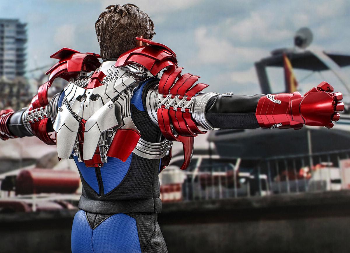 """Hot Toys revela o incrível colecionável """"Tony Stark Iron Man Mark V Suit Up"""""""