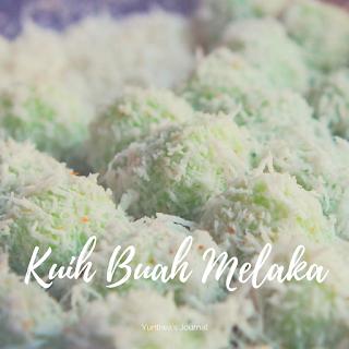 Jajanan dan Makanan Ringan khas Melaka Malaysia - onde onde