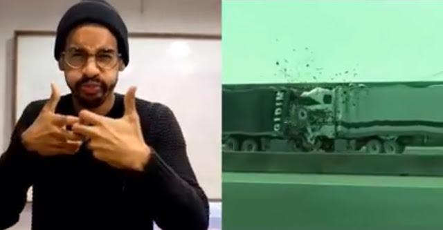 Persona sorda expresando una acción cinematográfica en lengua de signos americana