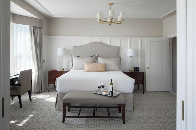 Unwind in this elegant 1903 Edwardian Drisco San Francisco hotel, located atop San Francisco's iconic Pacific Heights neighborhood, and be pampered by all-inclusive luxury and complimentary extras from a gourmet continental breakfast, evening wine reception and bikes to borrow.