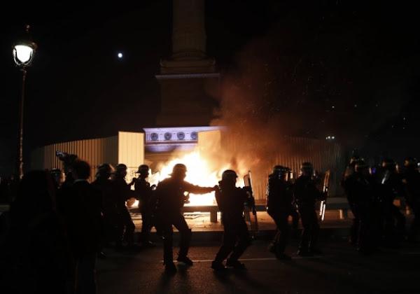 """VIDÉO - """"Défoncer du flic...!"""" : deux policiers présents à la """"Marche des libertés"""" témoignent"""