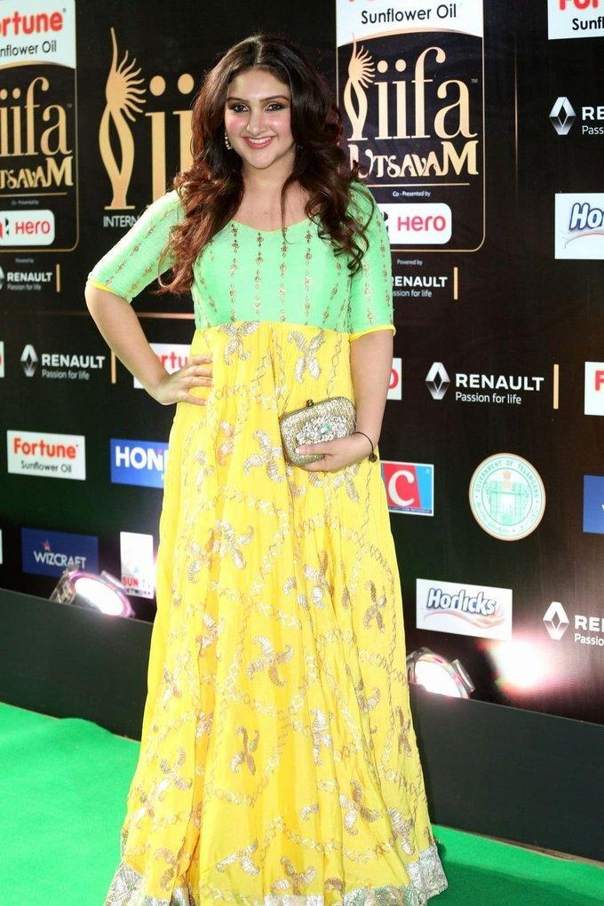 Sridevi Vijaykumar at IIfa Utsavam Awards 2017 In Green Dress