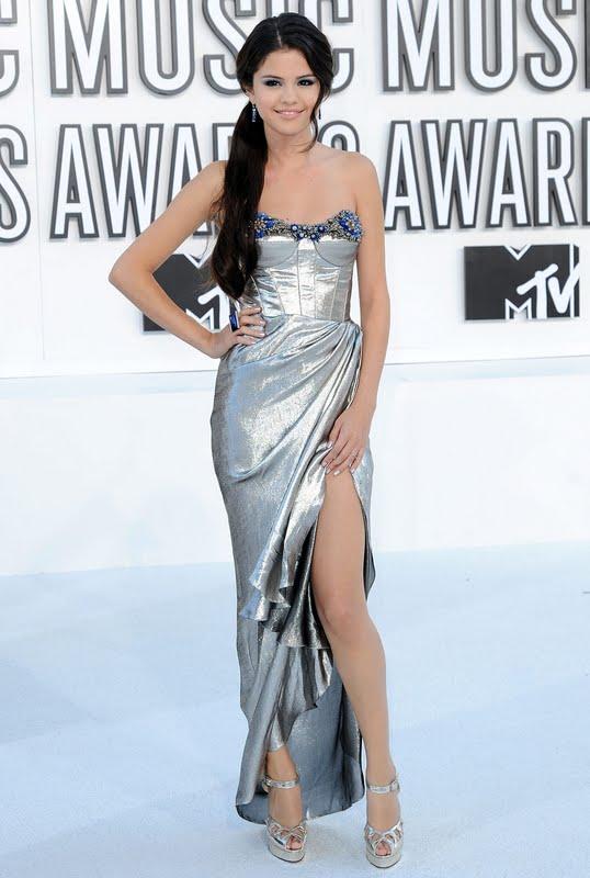 Red Carpet Dresses Selena Gomez MTV Video Music Awards 2010