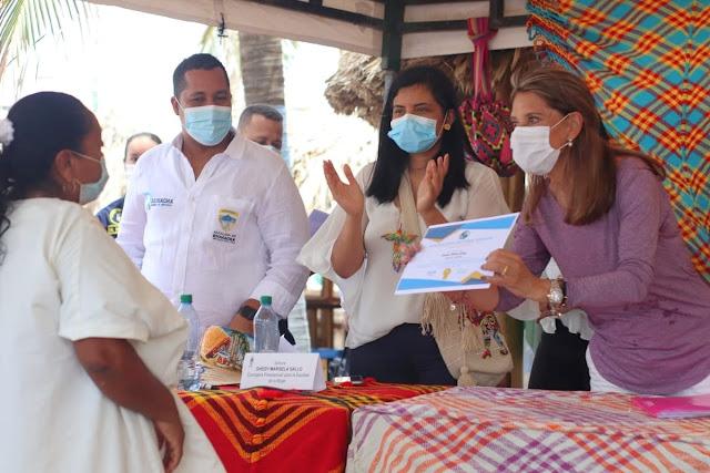 hoyennoticia.com, Vicepresidenta asistió en Riohacha a entrega de diplomas de 90 artesanas Wayuus