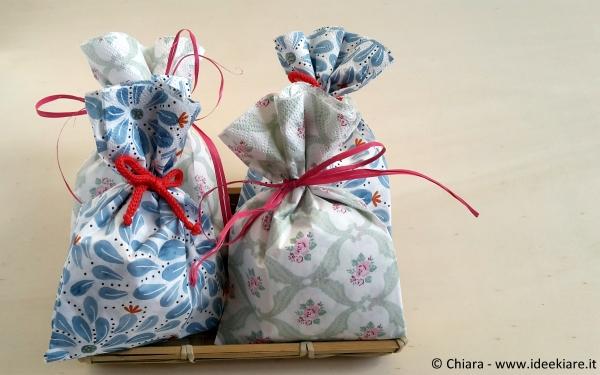 Confezionare regali con i tovagliolini di carta