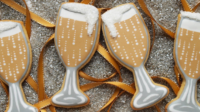 https://www.sweetambs.com/tutorial/new-years-eve-cookies/