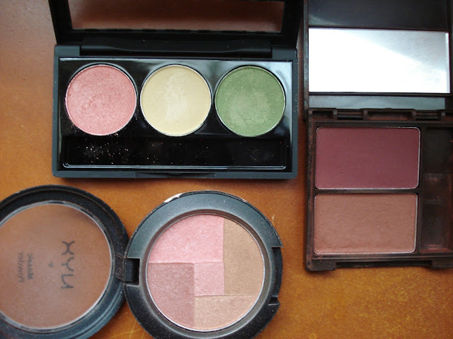A Touch Of Green www.toyastales.blogspot.com #toyastales #makeup #elfcosmetices #NYXCosmetics #makeuptips #makeupreviews #fashion #style