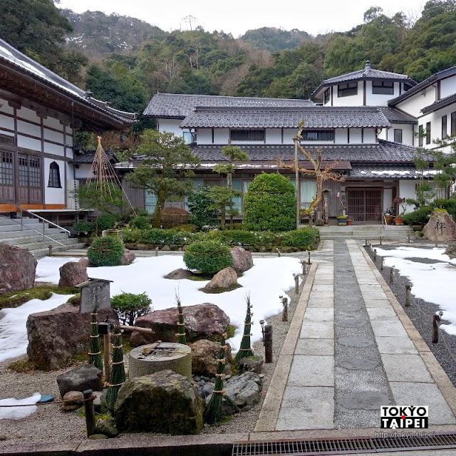 【極樂寺】溫泉鄉偏僻小寺院 積雪中欣賞枯山水石庭美景