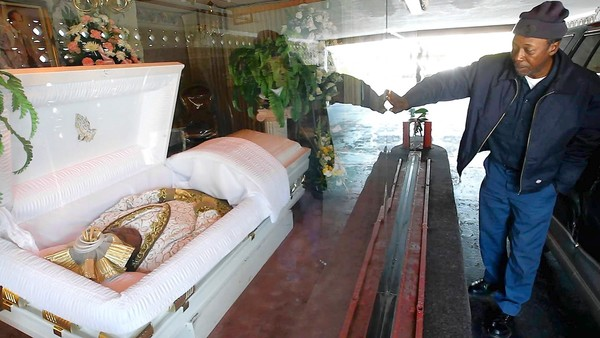 Stuff Dead People Like: Compton funeral home drive-thru