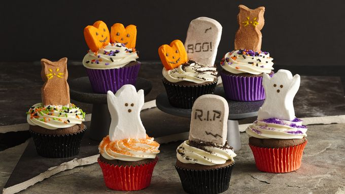 Six Halloween Cupcake decoration idea