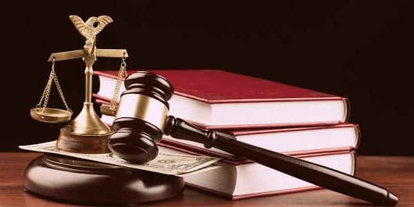 Abstrak Tentang Teori dan Aliran Hukum