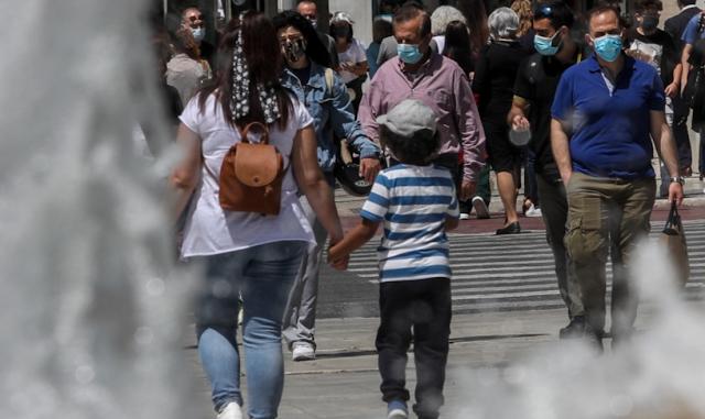Το Ευρωβαρόμετρο στέλνει στα σκουπίδια τις κατά παραγγελία της κυβέρνησης ελληνικές δημοσκοπήσεις