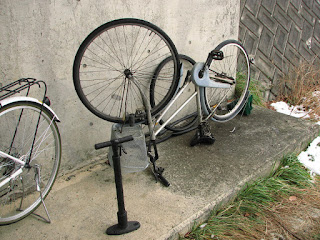 自転車のタイヤ交換 交換風景