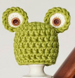 http://translate.googleusercontent.com/translate_c?depth=1&hl=es&rurl=translate.google.es&sl=en&tl=es&u=http://www.hopefulhoney.com/2014/07/newborn-frog-hat-crochet-pattern.html&usg=ALkJrhia_tg6RrZsbxRgLm47zPStZnibqg