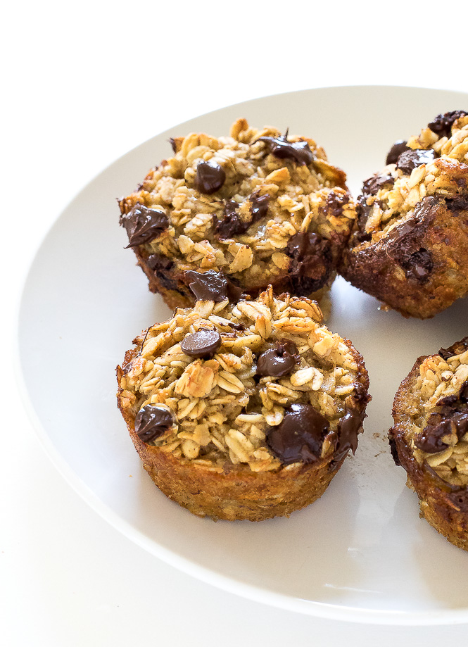 Healthy Banana Chocolate Chip Oatmeal Muffins - A freezer friendly breakfast or snack option!