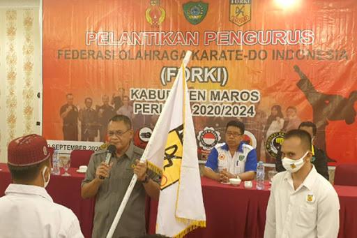 Ketua KONI maros AKBP (P) Muliadi Haryo Hadiri Pelantikan Pengurus FORKI Maros