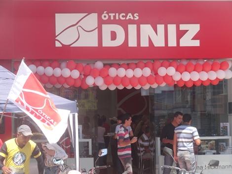 Foi nesta Segunda-feira (08) mais uma mega inauguração da Maior Rede de  Óticas doBrasil, agora em Belo Jardim - PE, As Óticas Diniz d16a78f9b6