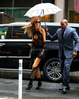Josephine-Skriver-Arriving-at-Victorias-Secret-fittings-_015+%7E+SexyCelebs.in+Exclusive.jpg