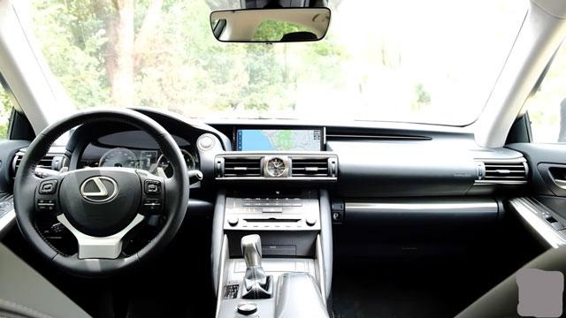 لكزس IS موديل 2020 ... أفضل سيارة فاخرة صغيرة من لكزس