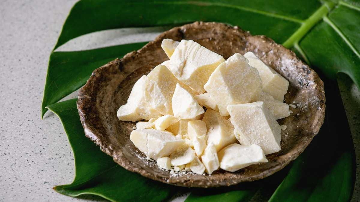 Cocoa butter for acne scars