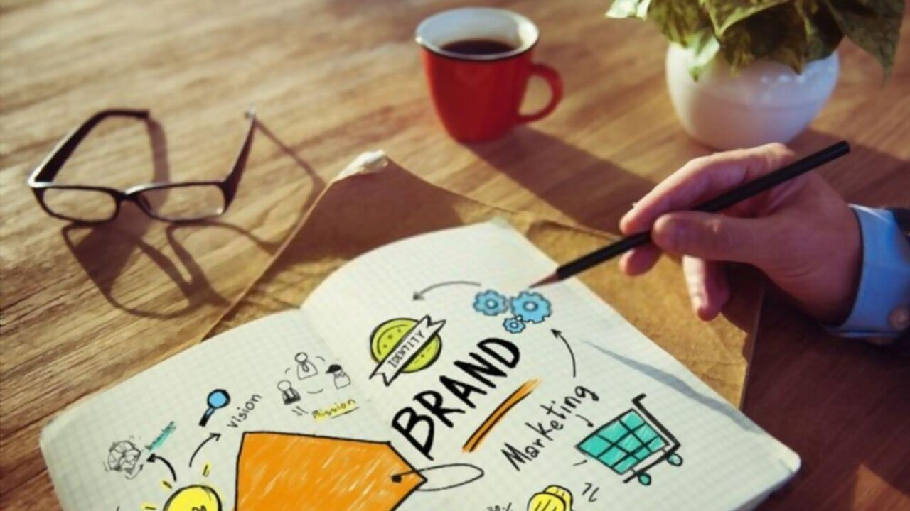 como-monetizar-tu-marca-personal-en-redes-sociales