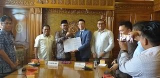 PJ Sekda Provinsi Jambi Bersama PT RPSL Penandatanganan Kerjasama Pembangunan Jalan Sentot Ali Basa.