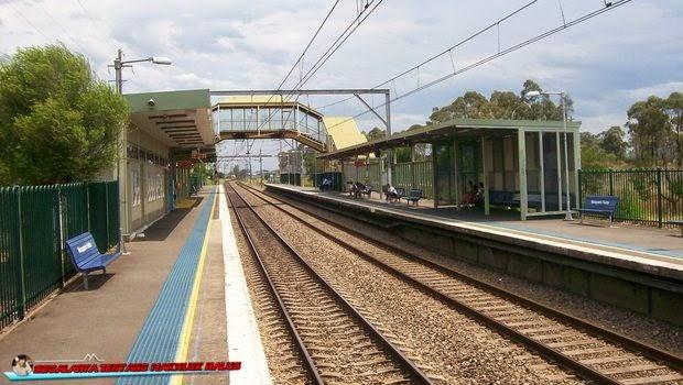 Stasiun Kereta Api Macquarie Fields - Australia
