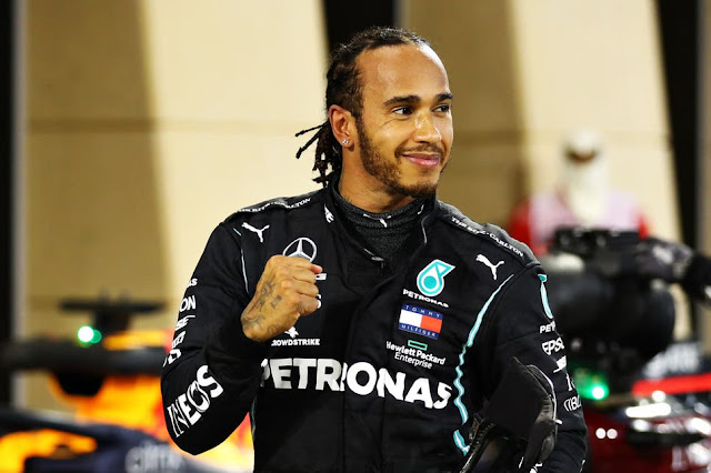 Lewis Hamilton to sign a new Mercedes deal worth £40m after breaking 7th world title record