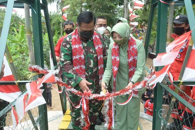 Pangdam III/Siliwangi Resmikan Jembatan Gantung Siliwangi-2 Di Desa Mandalakasih