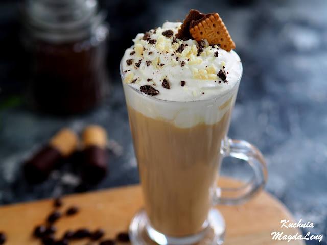 Kawa z białą czekoladą