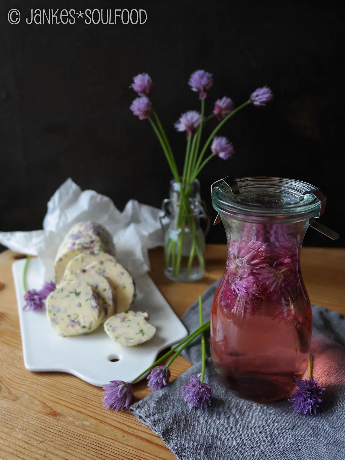 Schnittlauchblüten-Butter und -Essig