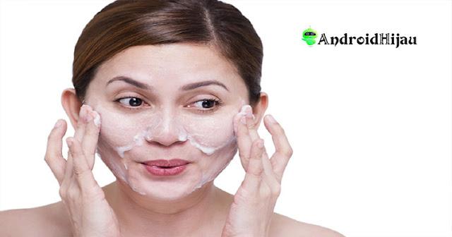 rekomendasi produk facial scrub lokal terbaik ampuh mengatasi kulit kering