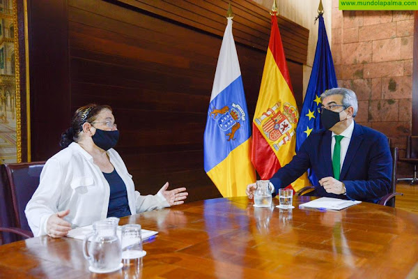 Rodríguez apoya la propuesta para crear una Federación de Mercados Municipales de Canarias