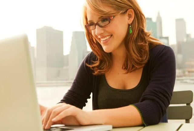 مزايا وعيوب التوظيف عبر الإنترنت