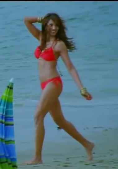 very hot Bipasha Basu in red Bikini