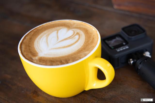 【大叔生活】2021 又是六天五夜的環島小筆記 (上卷) - 來這點個咖啡、炸物,好好享受一下海邊的悠閒