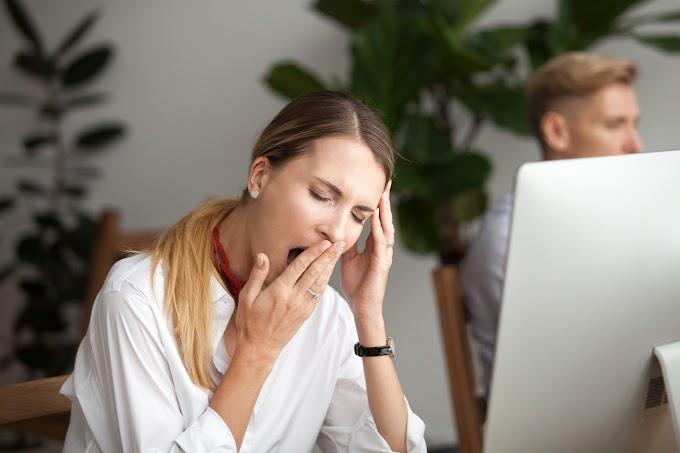 Ilyen hatása van a munkahelyi unalomnak az egészségre: a kiégéshez hasonló az eredménye