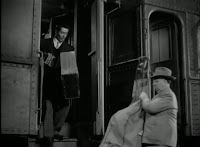 Alfred Hitchcock con Farley Granger, Ruth Roman, Robert Walker, Leo G. Carroll