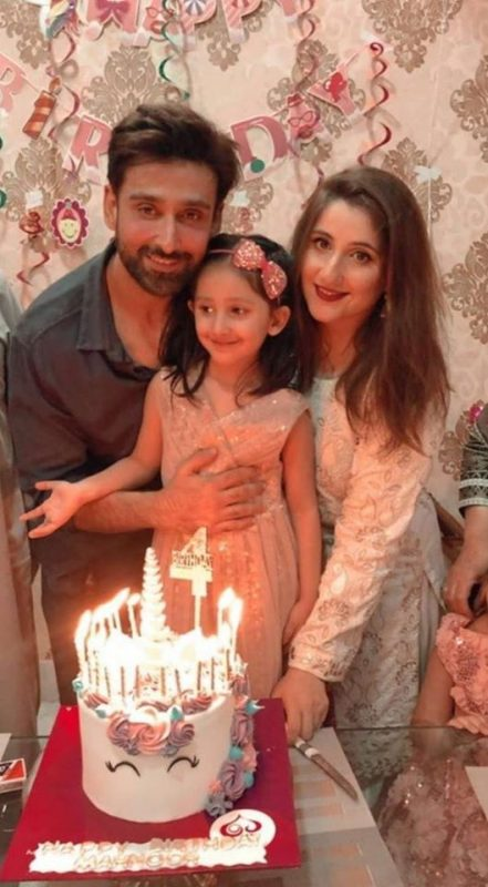 Sami Khan and Shanzay celebrating their daughter Mahnoor Birthday
