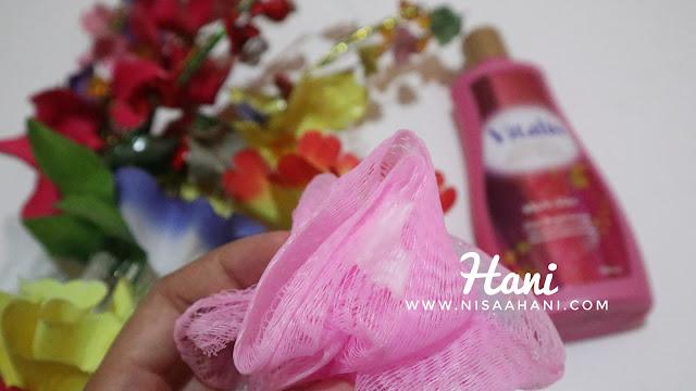 Vitalis Perfumed Moisturizing Body Wash White Glow