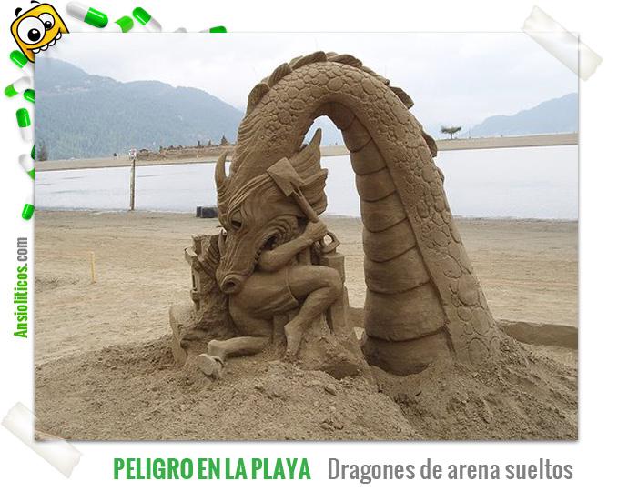 Chiste de Dragones de arena en la playa