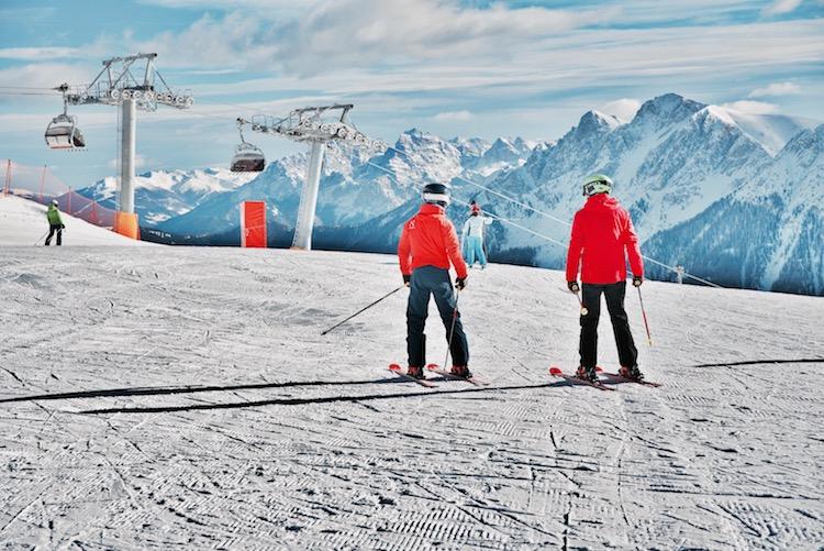 narty, jak dobrać narty, Austria, Featured, co zabrać na narty, co zabrać na narty z dzieckiem, wyjazd na narty dla początkujących, co spakować na wyjazd w alpy, lista rzeczy na narty, pierwsze narty,