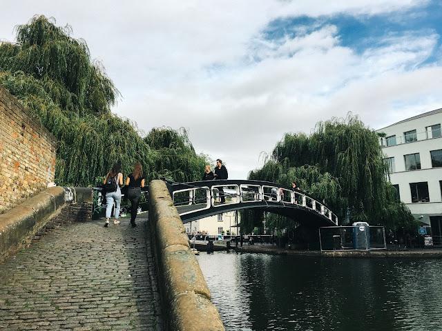 リージェンツ運河(Regent's Canal)|移動橋(Roving bridge)