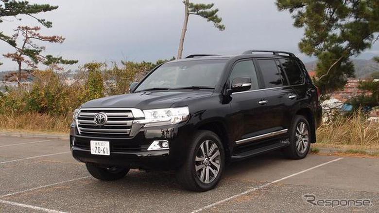 Toyota Land Cruiser 200, 4WD Offroad nan Klasik