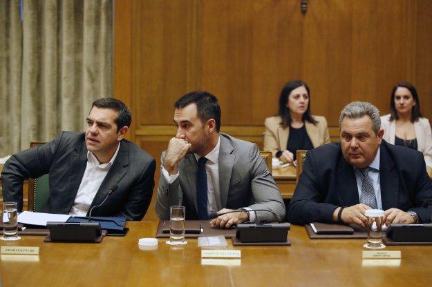 FT: Η διαμάχη Τσίπρα-Καμμένου απειλεί τη συμφωνία των Πρεσπών