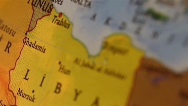"""Η κυβέρνηση της Τρίπολης καταγγέλλει επιθέσεις από """"άγνωστα αεροσκάφη"""""""